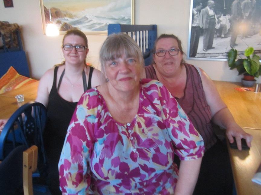 Her de seje madlavere Stina, Grethe og Birthe.